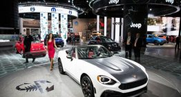 Fiat Chrysler discusses improved Renault merger bid to win French backing