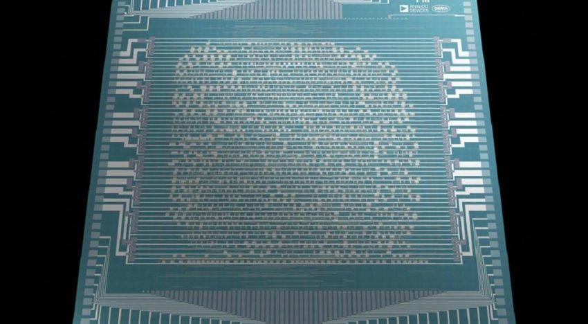 MIT scientists built biggest-ever carbon nanotube computer chip